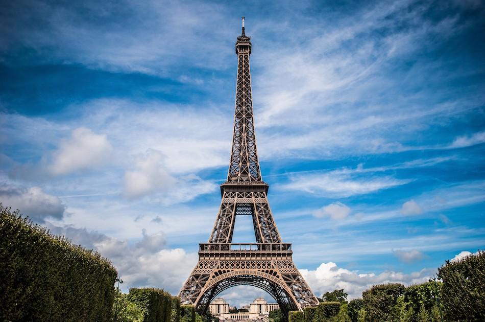 Eiffel tornia voit ihailla ilmaiseksi