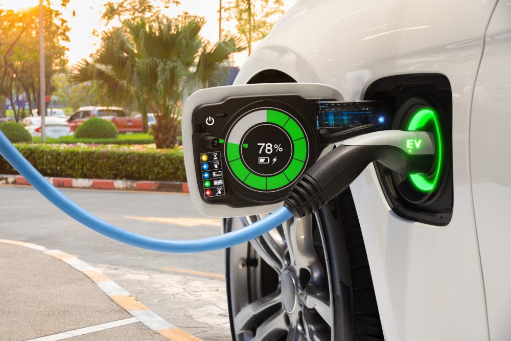 ympäristö kiittää sähköautojen yleistymisestä